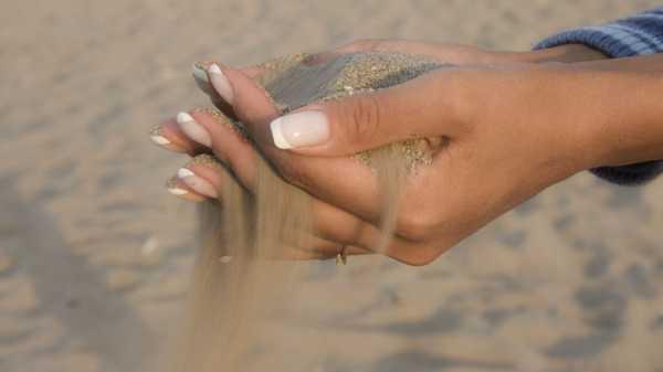 Строительный материал песок и щебень