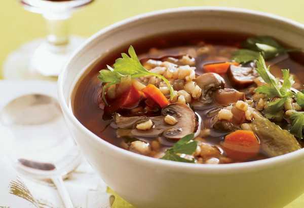 Перловый суп с белыми сушеными грибами